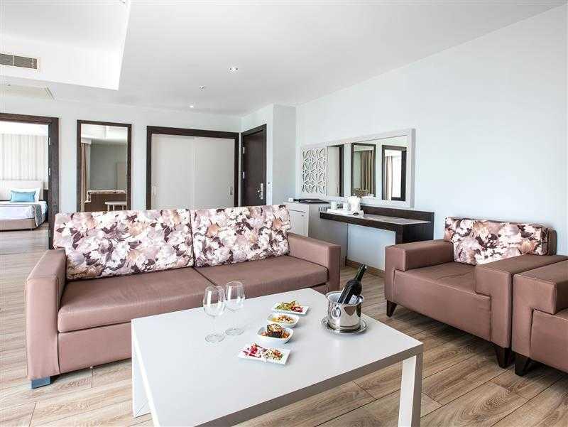 Ana Bina Deluxe Suite