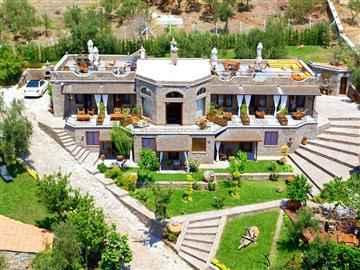 Assos Dionysos Hotel
