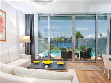 Exclusive Suite with Private Pool and Sea View