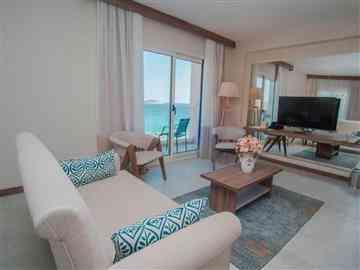 Deniz Manzaralı Premium Oda