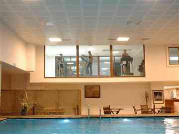 Kapalı Havuz & Fitness Merkezi