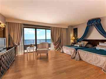 Premier Suit Deniz Manzaralı Oda