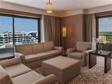 Resort Suit Manzaralı Oda