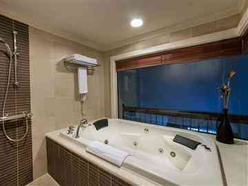 Superior Suit Deniz Manzaralı Oda