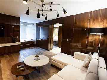 Luxury Suit Kara Manzaralı Oda
