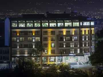 Grand Boğaziçi Hotel