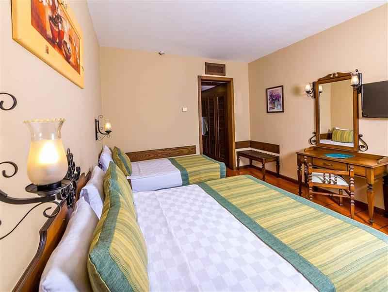 Hotel Standart Kara Manzaralı Oda