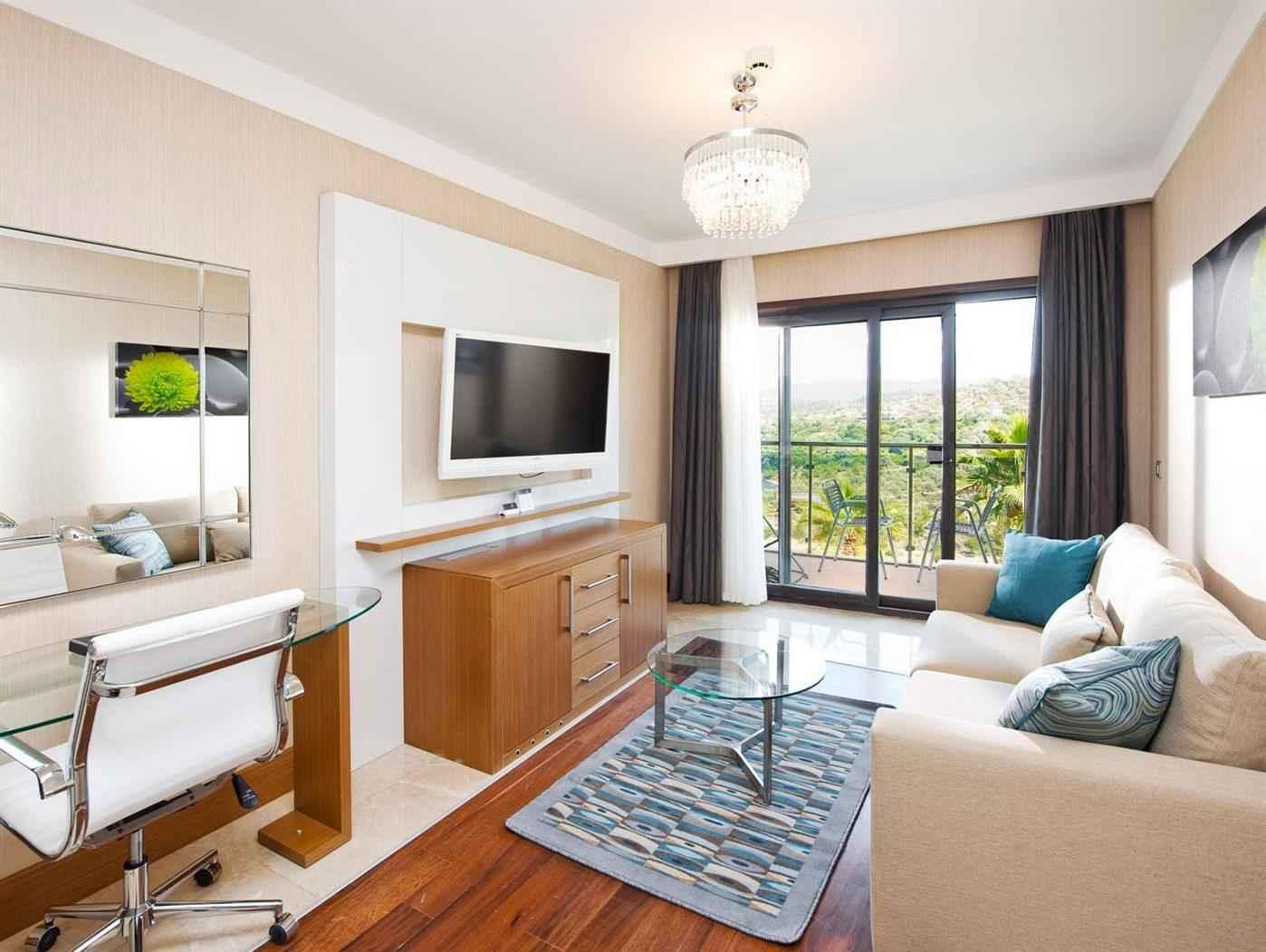 Tek Yatak Odalı Deniz Manzaralı Suite Oda