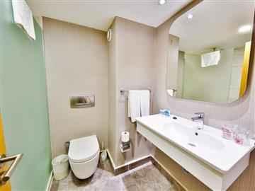 Aile Odası Yandan Deniz Manzaralı  Banyo