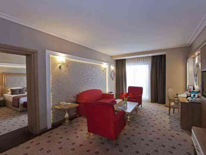Suite Oda Ön Masa