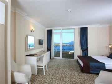 Royal Deniz Manzaralı Oda
