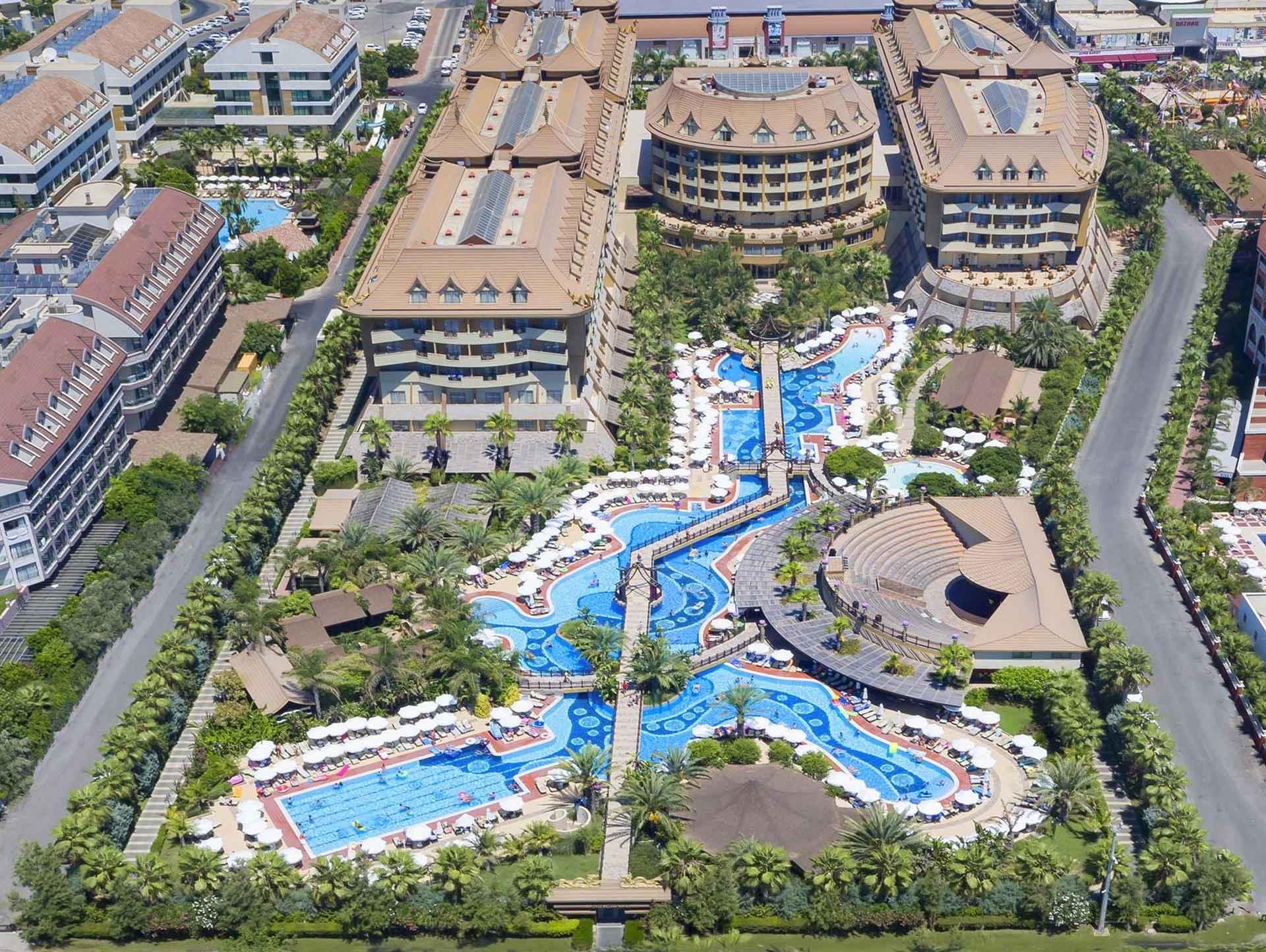 Royal Dragon Hotel Side