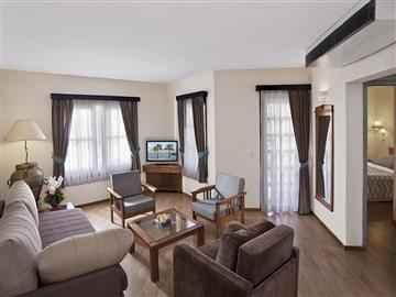Sunrise Resort Tarafı Villa Aile Odası
