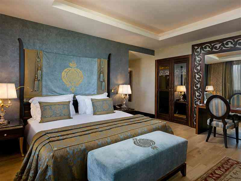 Royal Dublex Suite